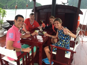 halong bay en barco